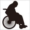車椅子に乗る人のシルエットイラスト