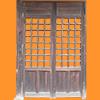 古い木の扉
