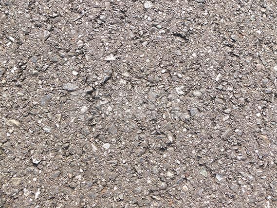 舗装されたアスファルトの道
