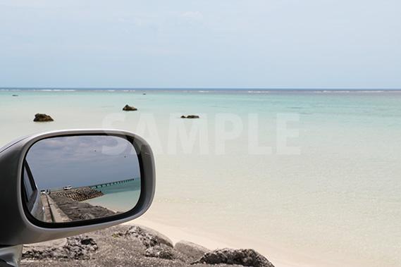 沖縄の海 車 ドライブ サイドミラー