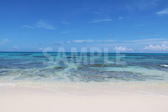 来間島・長間浜ビーチの透き通る海