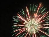緑・赤・黄の花火