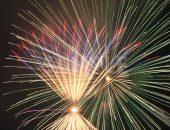 リボン型と円形の打ち上げ花火