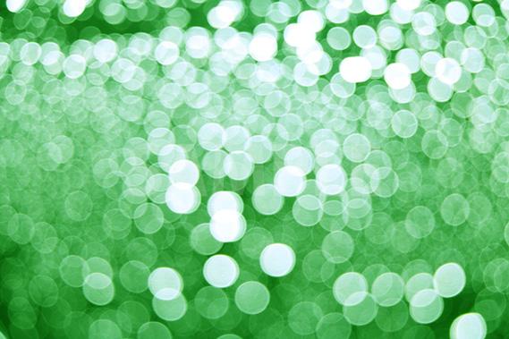 ボヤケた緑色の光の写真・フォト素材