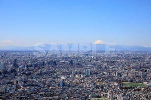 東京都庁・展望室から見た町並みと富士山の写真