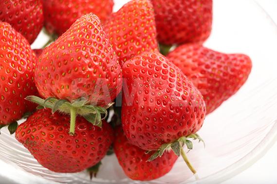 瑞々しいイチゴの写真・フォト