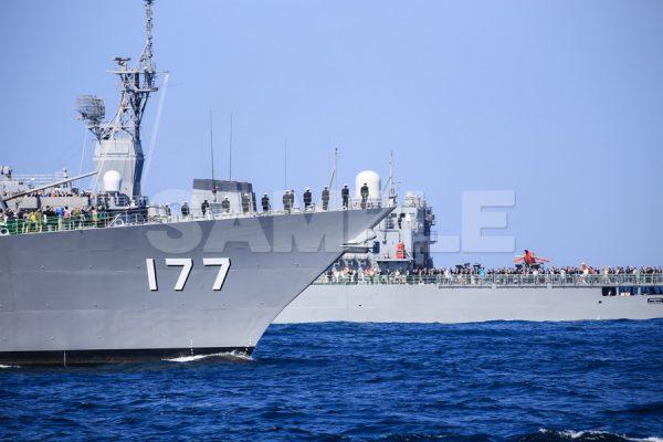 観艦式の写真「177あたご」船首観艦式,護衛艦,日本,海