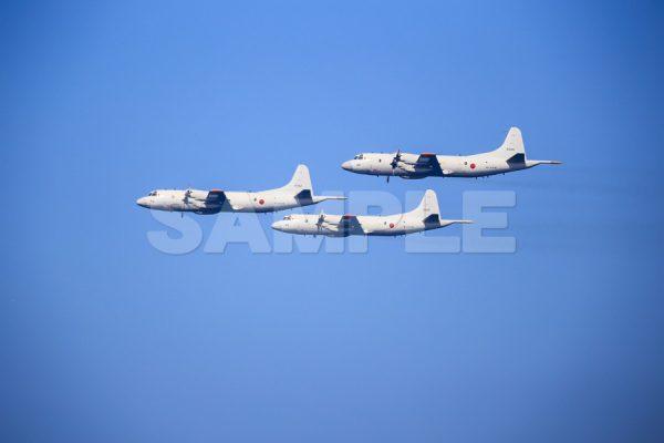 観艦式の写真「P-3C」観艦式,飛行機,航空機,青空,無料の写真