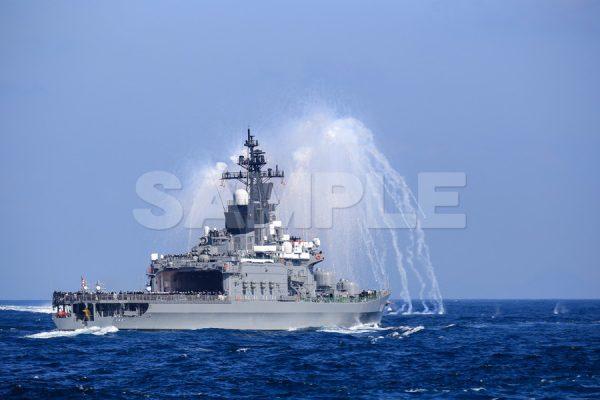 観艦式の写真「ミサイル艇 高速航行 IRデコイ発射」観艦式,護衛艦,日本,海,無料の写真