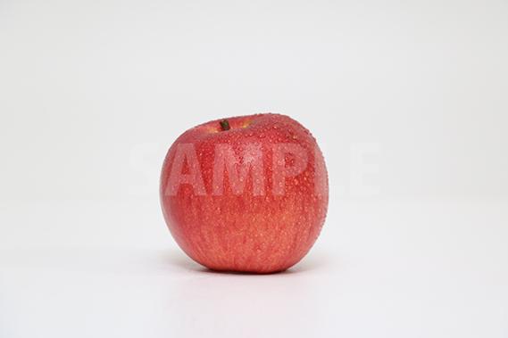 水玉がついたりんごの写真・フォト