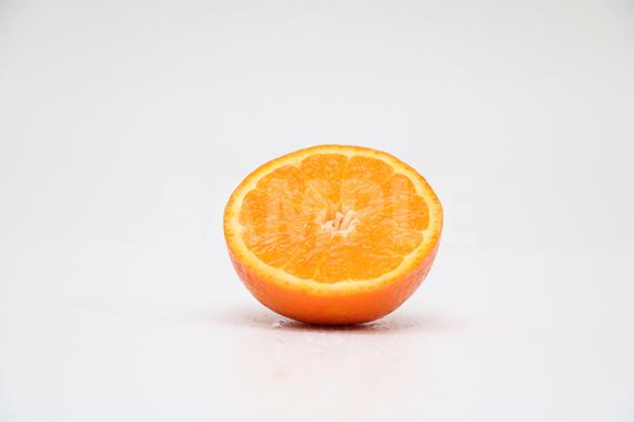 カットされたオレンジの写真・フォト