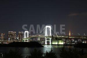 お台場から見るレインボーブリッジの写真・フォト
