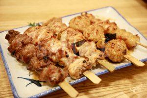 串焼き盛り合わせ(カシラ・もも・ネギま・つくね・ぼんじり)の写真・フォト素材