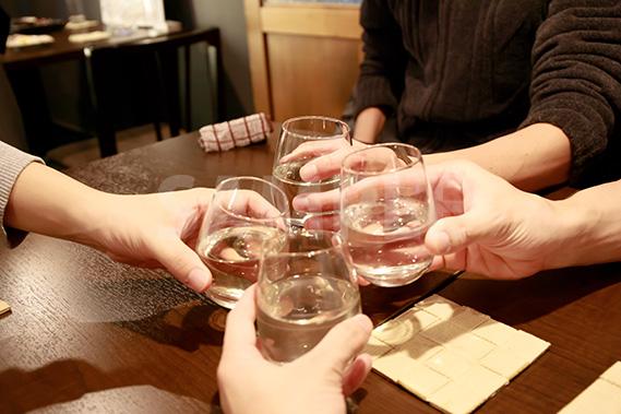 日本酒の乾杯の写真・フォト