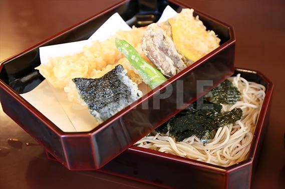 天ぷらそばの写真・フォト素材