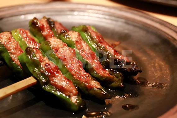 ししとう肉詰串焼きの写真・フォト素材