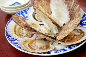開いたホタテ貝の写真・フォト素材
